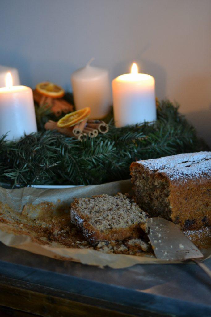 2-torta-facile-di-natale-con-cannella-noce-moscata-prugne-e-cioccolato
